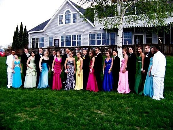 5 great places to take prom photos near bangor